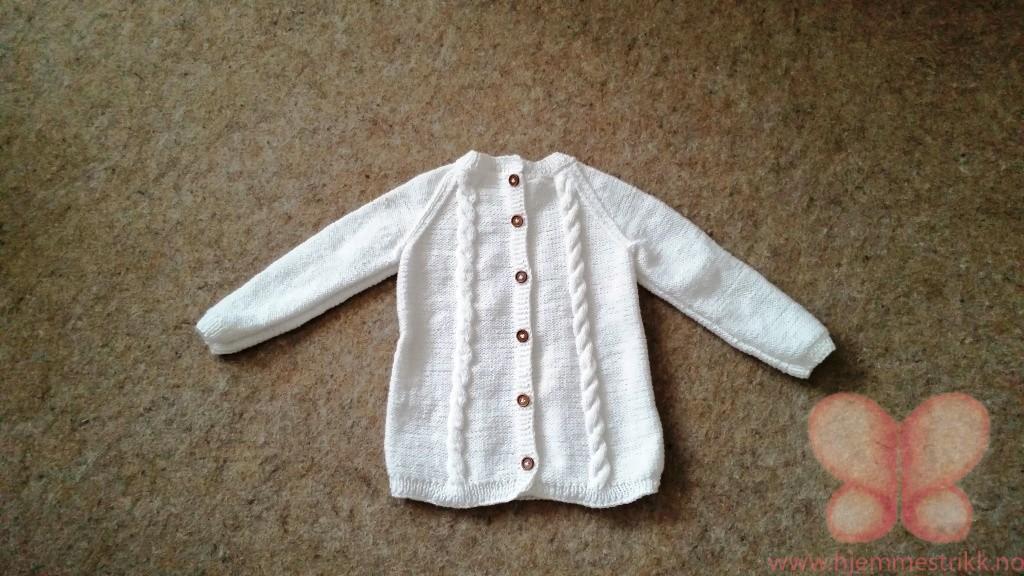 Knapper bak genser (2 3år) hvit